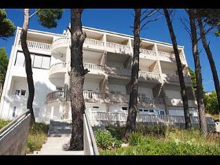 35164  A8(6+2) - Brela - Brela vacation rentals
