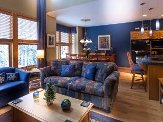 Deluxe 3 bedroom/plus den townhome - Silver Star Mountain vacation rentals