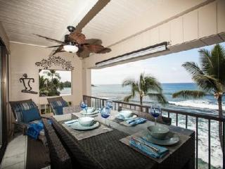 Oceanfront Top Floor Condo with Fabulous View! - Kailua-Kona vacation rentals