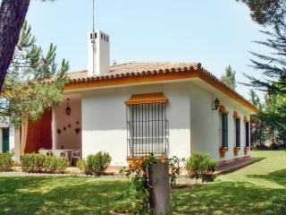 Beautiful Andalusian house with garden and BBQ terrace, 400m from beaches on the Costa de la Luz - Campano vacation rentals