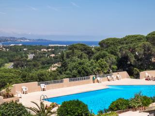 Villa Christina - lovely house near Saint-Tropez with sea views, in luxury residence with 3 pools - Cogolin vacation rentals