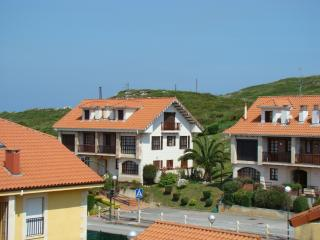 Bright penthouse apartment near the Cantabrian coast with sea views - walk to Playa de Comillas! - Ruiloba vacation rentals