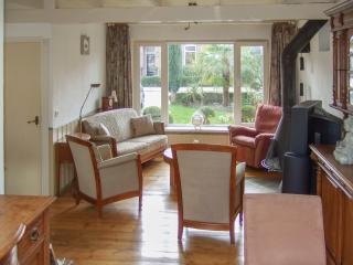 Bright and elegant village house in Zeeland, set in an enchanting garden w/ sunny terrace – sleeps 2 - Goes vacation rentals