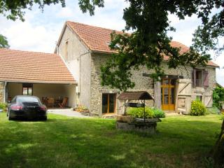 Tranquil converted barn with private pool - Saint-Sulpice-les-Feuilles vacation rentals