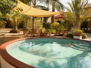 Just 0.5 mile to Palm Beach 2 bedrooms Apt F - Noord vacation rentals