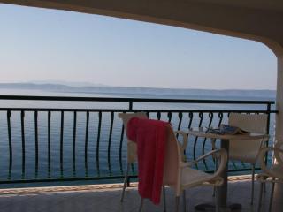 Seafront Apartment Radonic (2+2) A3D - Podgora vacation rentals