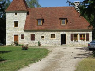 Magnifique demeure sur parc arboré & piscine - Dijon vacation rentals