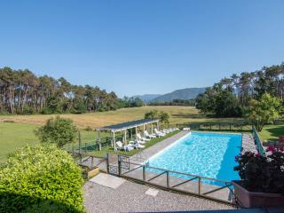 Two bedroom Tuscan home located on nature reserve, shared swimming pool, barbecue - Lucca vacation rentals