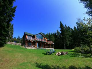 Luxurious Lake Front Wilderness Lodge Pittsburg NH - Pittsburg vacation rentals