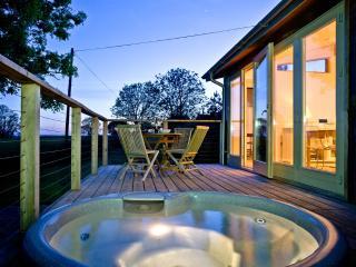 Furrows Farm Garden Lodge located in Bradford Abbas, Dorset - Bradford Abbas vacation rentals