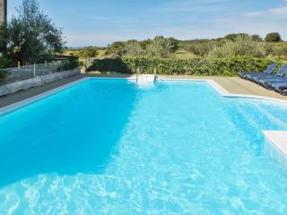 Sleek apartment on the Istrian Peninsula with pool and sea view, 250m from the beach - Umag vacation rentals