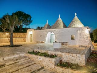 Trullo Belvedere, Newly-renovated Villa in Martina Franca, near Brindisi, w/ terrace & enchanting co - Martina Franca vacation rentals