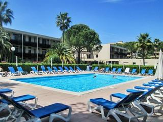 French Riviera apartment near Cannes w/ air con, pool, sports areas – minutes from Mandelieu beach - Mandelieu La Napoule vacation rentals