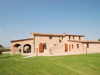 Villa Buonconvento vacation holiday large villa rental italy, tuscany, siena, buonconvento, pool, Wi-Fi, air conditioning, short term long - Buonconvento vacation rentals