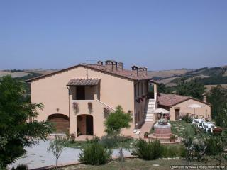 La Coppina - The Dolce farmhouse to rent near Siena, Tuscan home to let, holiday rental Tuscany - Asciano vacation rentals