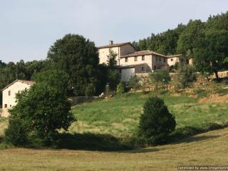 Montarre - Dolce Rent a villa sovicille, holiday villa to let, self catered rental Tuscany, villa with pool Tuscany - Sovicille vacation rentals
