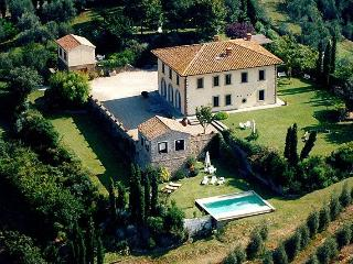 Laura Estate Tuscan villa near Florence, Tuscan villa for rent, villa to let in Tuscany, Tuscan estate - Vinci vacation rentals