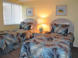 Emerald Cove 3 Bedroom Oceanfront Condo with a Jacuzzi - Myrtle Beach - Grand Strand Area vacation rentals