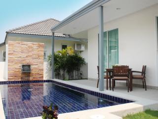 Modern 2BR Pool Villa, Beach Close! - Hua Hin vacation rentals