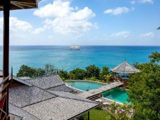 Villa Susanna ideal for groups, sunset gazebo, infinity pool, short walk to Trou Rolland beach - Marigot Bay vacation rentals