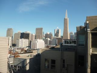 3 Bedroom with views atop Telegraph Hill - San Francisco vacation rentals