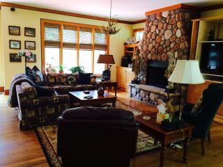 NW GA  Mountains Luxury  for Discriminating Guests - Plainville vacation rentals