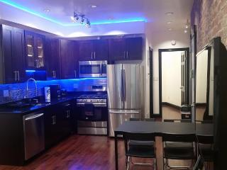 Spectacular 3 Beds 2 Baths 20min from Time Sq. - New York City vacation rentals