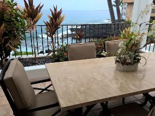 Beautiful oceanfront condo at Royal Sea Cliff 209-RSC 209 - Kona Coast vacation rentals