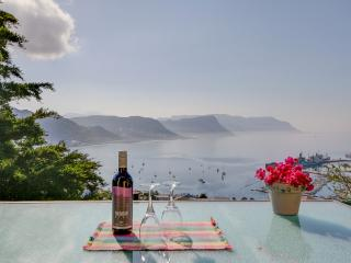 Luxury Self-Catering Accommodation El Mirador  15 Victory Way  Simon's Town  CP SA - Simon's Town vacation rentals