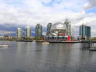 Beautiful, Bright Vancouver Condo - Vancouver vacation rentals