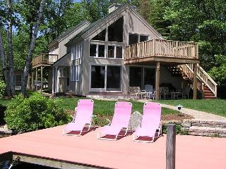 Delightful Waterfront Contemporary Vacation Rental on Lake Winni (BAR23W) - Meredith vacation rentals