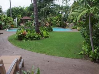 Kahala Hale, 4BR, Pool Spa, A/C, Across from Beach - Honolulu vacation rentals