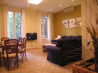Rocafort Group Apartment - Barcelona vacation rentals