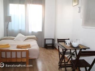 Cosy Penthouse with terrace in Barcelona 215 - Barcelona vacation rentals