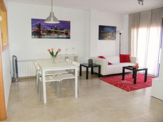 FATIMA - Apartamento 4 PAX - Torroella de Montgri vacation rentals