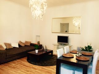 Charming & luxurious apartment in Berlin| 5 people - Berlin vacation rentals