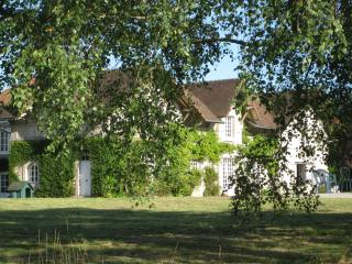 Former Stables 16th Century manor - Saint-Leonard-de-Noblat vacation rentals