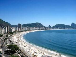 Praia de Copacabana  100 mts da praia 200 mts Subw - Rio de Janeiro vacation rentals