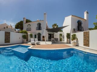 Walk to beach in minutes - private heated pool - Vale do Lobo vacation rentals