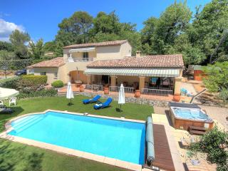 Convenient villa for families in Valbonne (6 adults +2 kids) - Valbonne vacation rentals