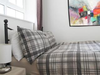 Direct to the City Centre (FIJ) - London vacation rentals
