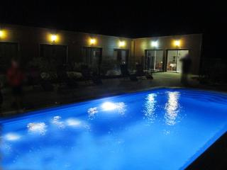 Les Abris du Château - Chambres - Mer vacation rentals