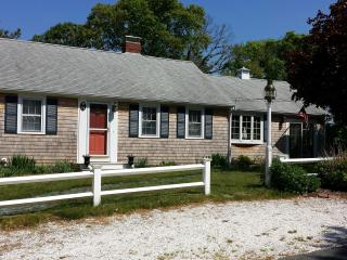 North Rd , LOTS of space, AC close to beach & pond - West Dennis vacation rentals