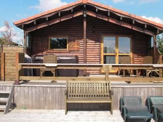 Beautiful Lakeside Log Cabin - Sleeps 6 - Tattershall vacation rentals