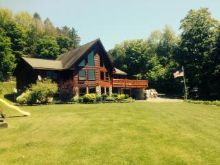 Post & Beam Cedar Log Home Getaway - Syracuse vacation rentals