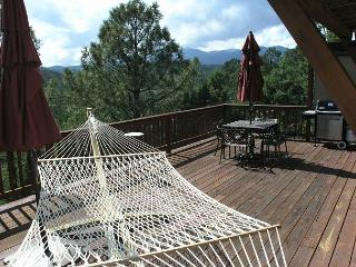 Aaron's Retreat is a fabulous three bedroom Alto home with amazing back deck. - Alto vacation rentals