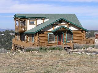 Eagle View Lodge is a unique 3 bedroom, 2 bath log cabin located in Alto. - Alto vacation rentals