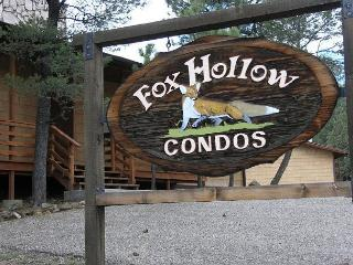 Fox Hollow Condo #05 is centrally located in the White Mountain area. - Ruidoso vacation rentals