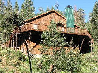 Cabin on the Creek is a retro style cabin located in the Cedar Creek area. - Ruidoso vacation rentals
