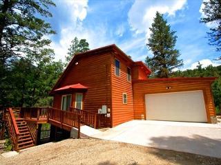 Cedar Creek Retreat is a beautiful creek side 4 bedroom 3 bath home. - Ruidoso vacation rentals